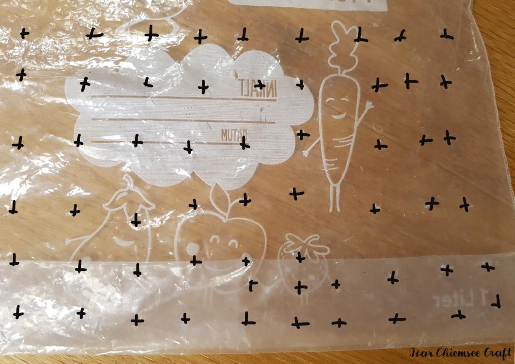Plastik- bzw. Zippbeutel mit Löchern zur Fermentation von Tempeh